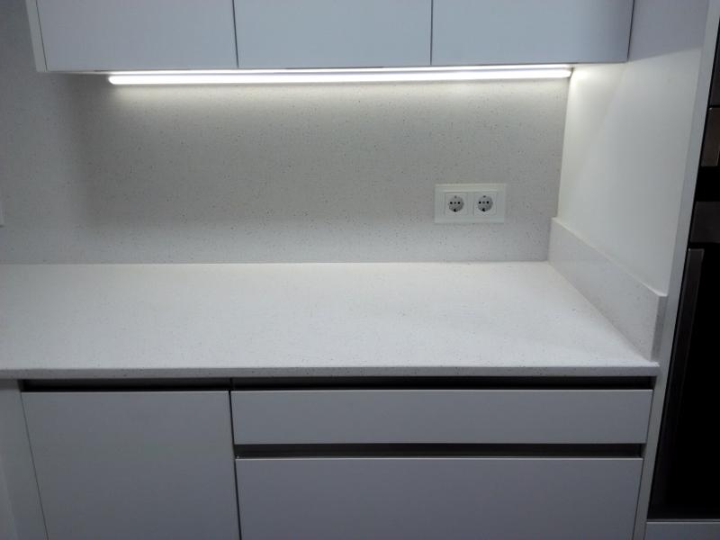 LED bajo mueble